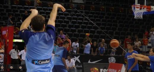 Partido de preparación entre España y Macedonia.